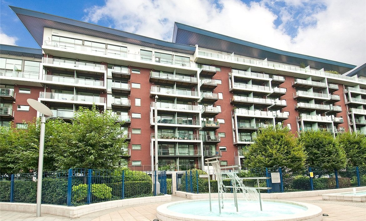 Apartments in chelsea bridge wharf london mylondonhome for Chelsea apartments for sale